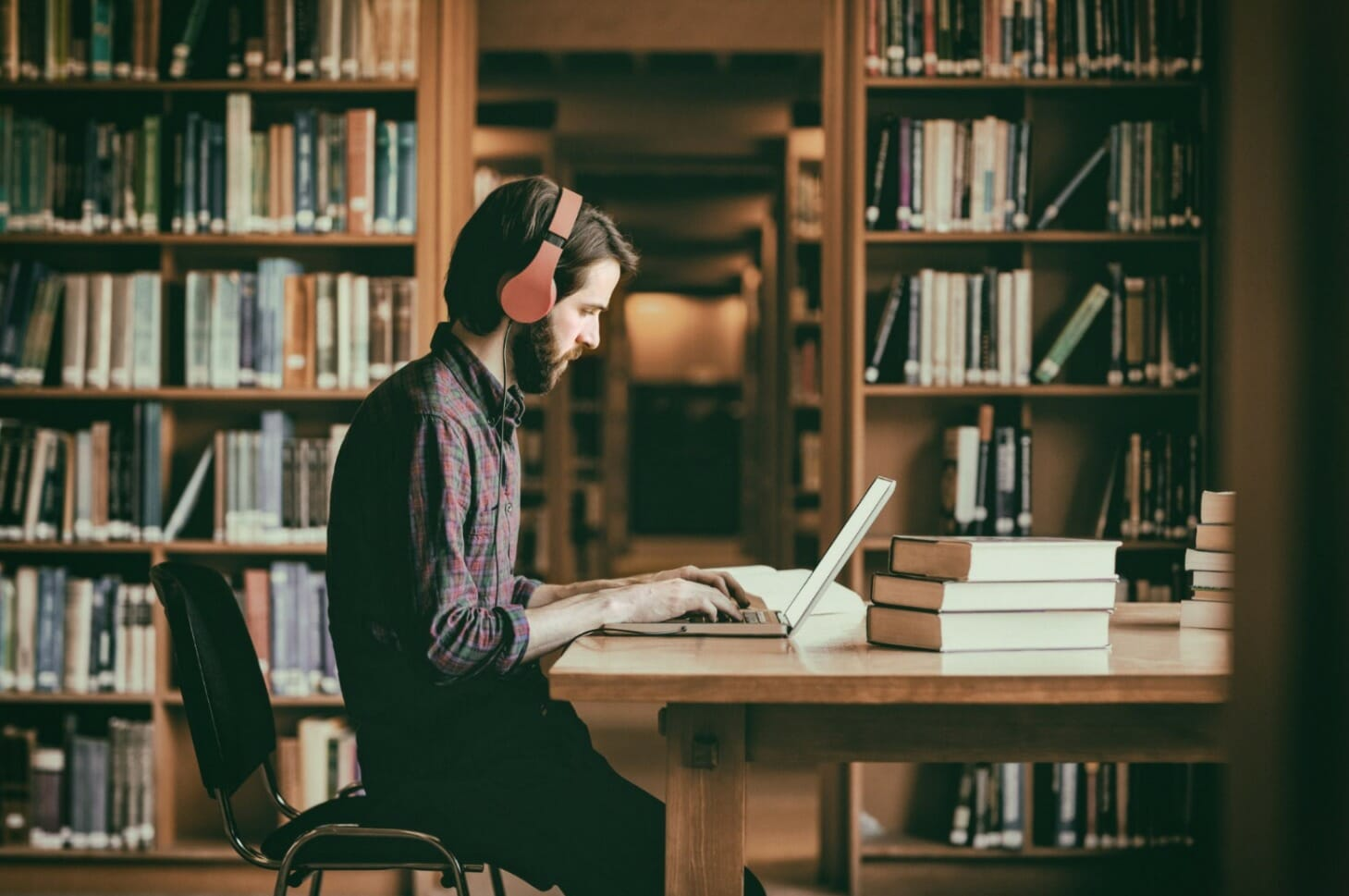 10 Poor Study Habits - Listening to Music