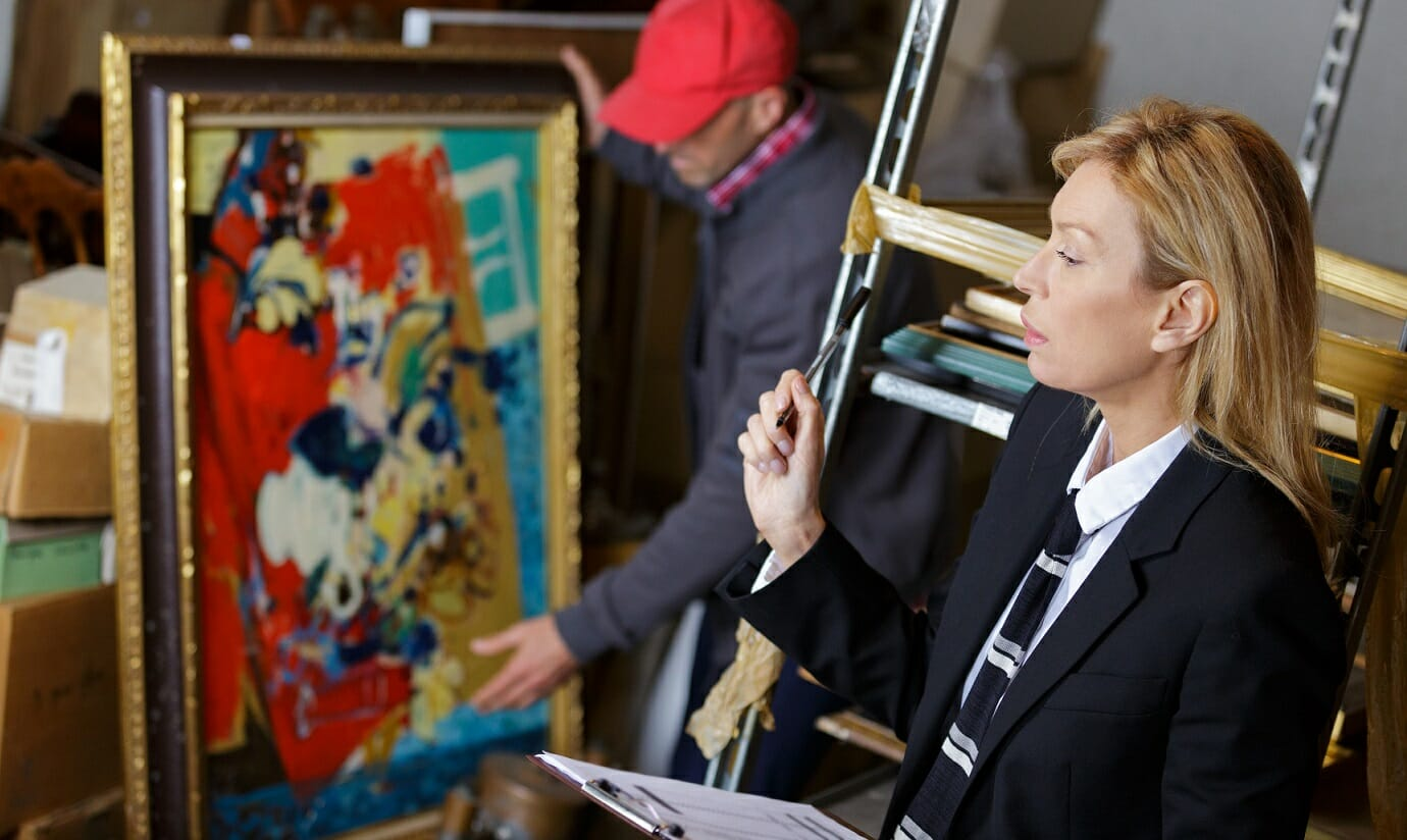Auction - Person buying Private Art