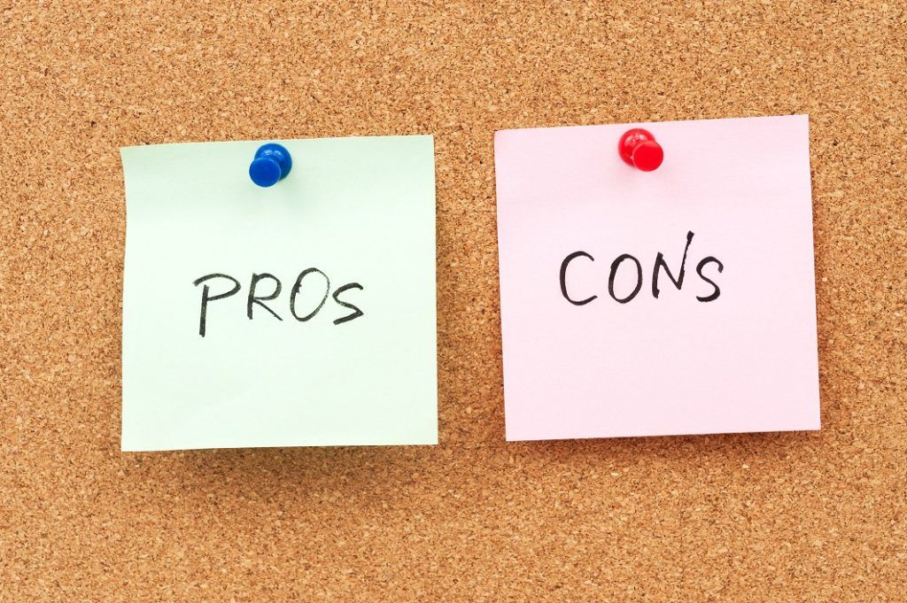 Financial Analyst Pros and Cons